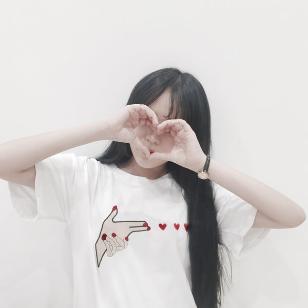 Finger Heart Hand Embroidered T-shirt - 7ucky