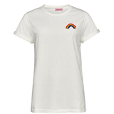 WHITE VINTAGE T-SHIRT WITH RAINBOW PATCH von Knitted Love