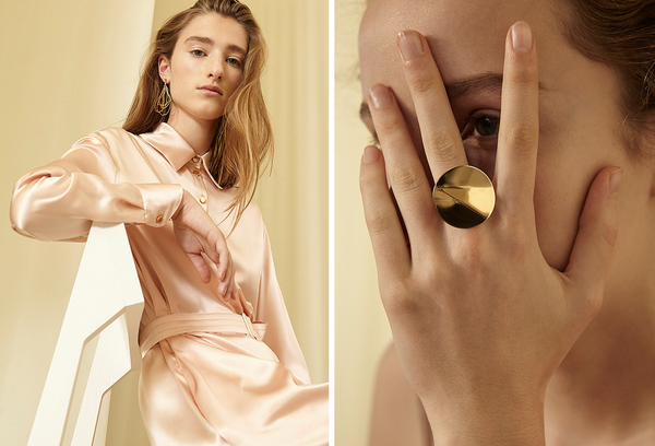 Malaikaraiss auf the wearness Online-Shop Satin-Kleid Rosé Statement-Ring