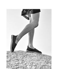 the wearness casa nata espadilles handmade in Spain schwarz