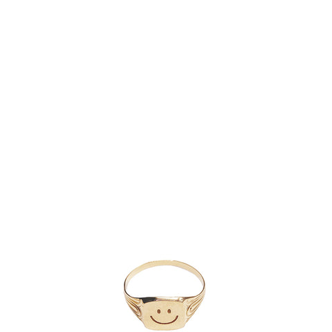 MALAIKARAISS Signet Ring in Gold, eingravierter Smiley, Damen, Damenschmuck, nachhaltiger Schmuck, faire Ringe, Goldschmuck, Signet Ring, eco-friendly, female empowerment, fair, handcrafted, shop now- the wearness onlineshop