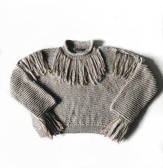CLAUSSEN Fransenpullover in Greige aus Baumwolle für Damen, Made in Germany, handknitted, fair fashion, sustainable – Onlineshop the wearness