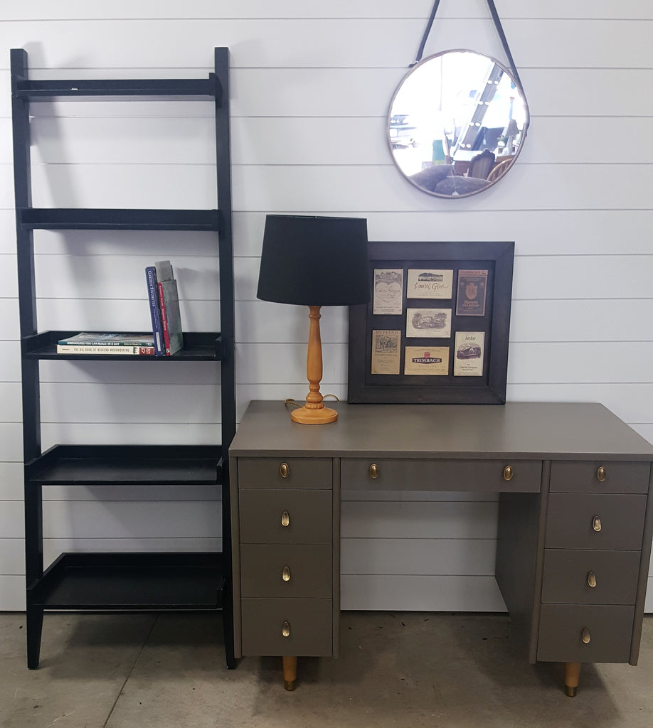 Mid Century Graphite writing area