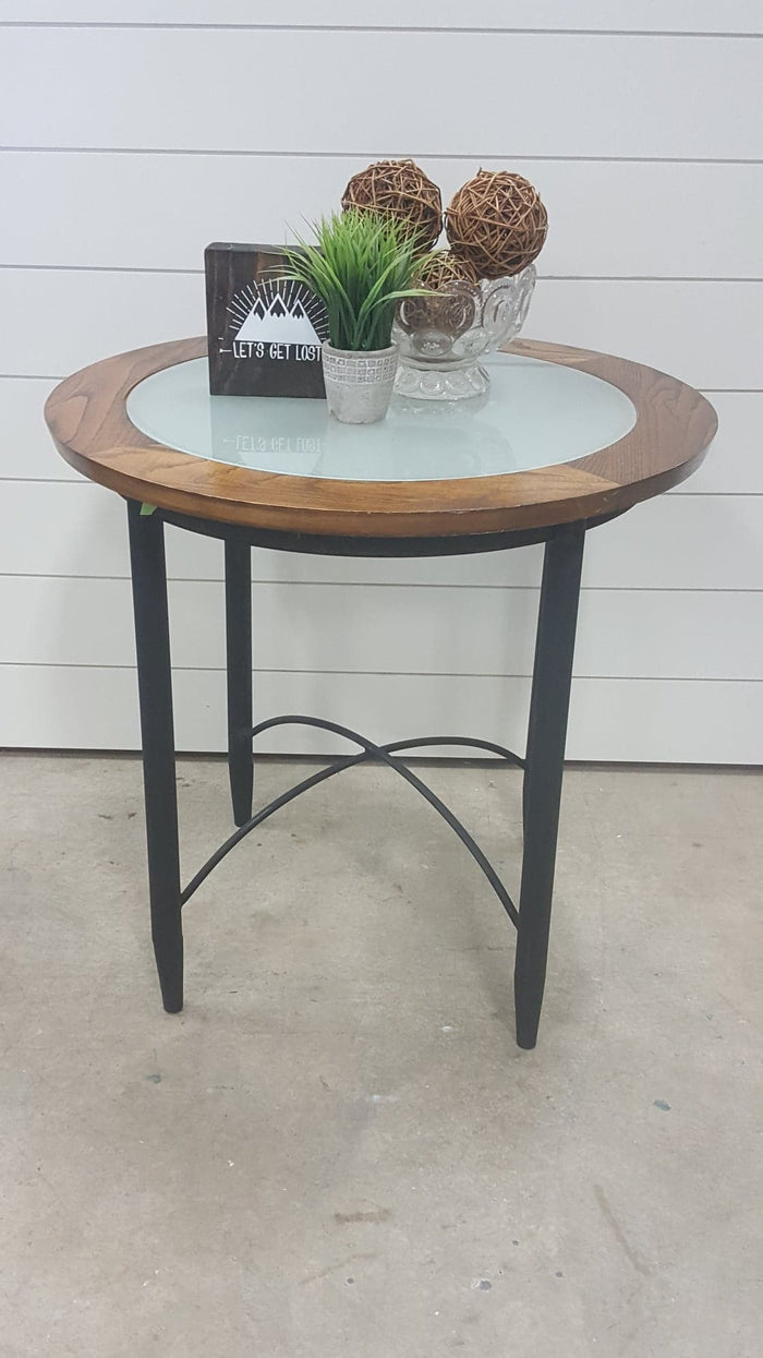 Round wood/glass/metal end table