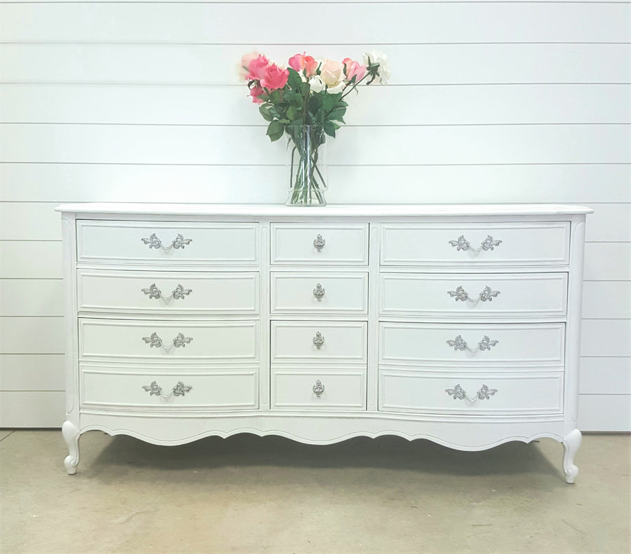 Beautiful white buffet/ dresser