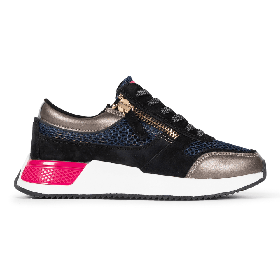 The Women's Rodeo 2.5 sneaker, metallic mesh upper, reflective laces, a functional side zipper, black suede. Side view