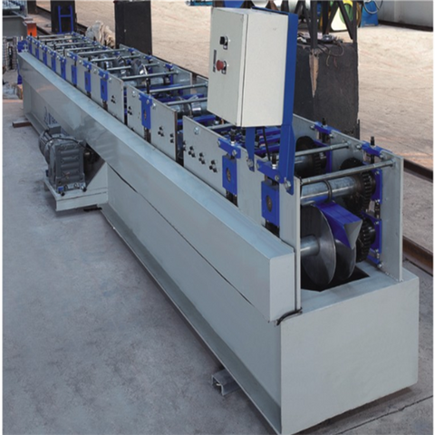 Triangular plate roll forming machine