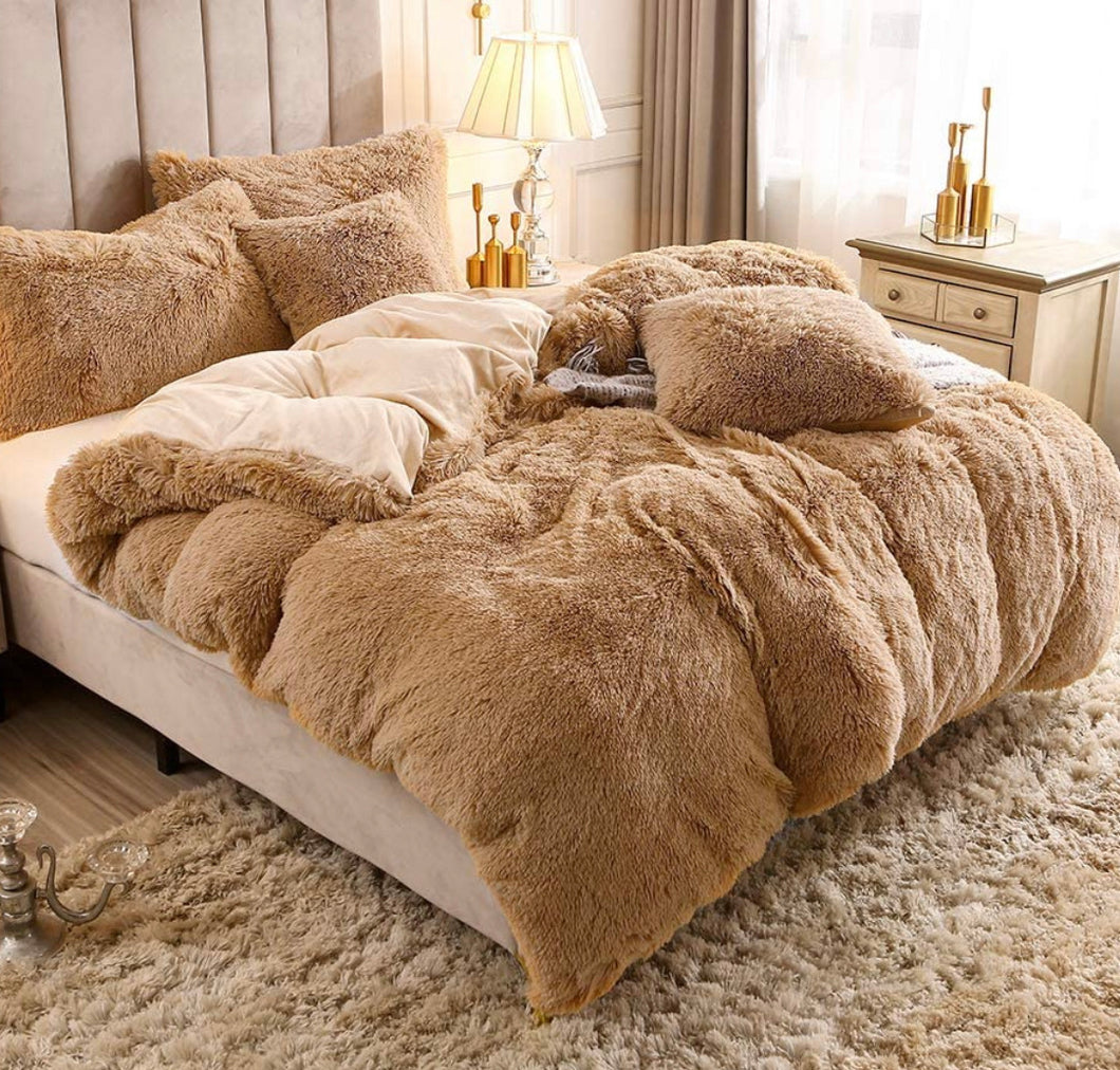 "Camel Shaggy Faux Fur King Bed Duvet Cover & Weighted Blanket (104"" x 88"")"