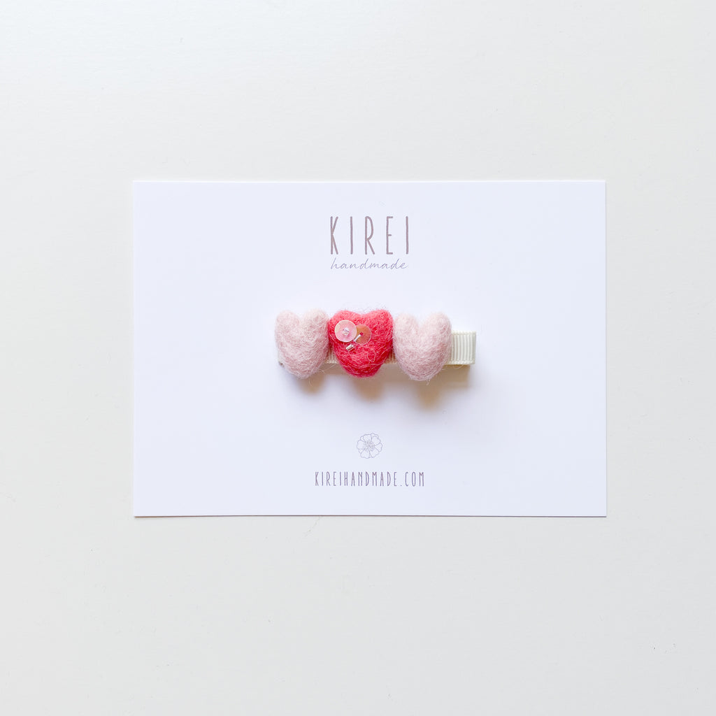 Tiny hearts bar clip (coral middle)