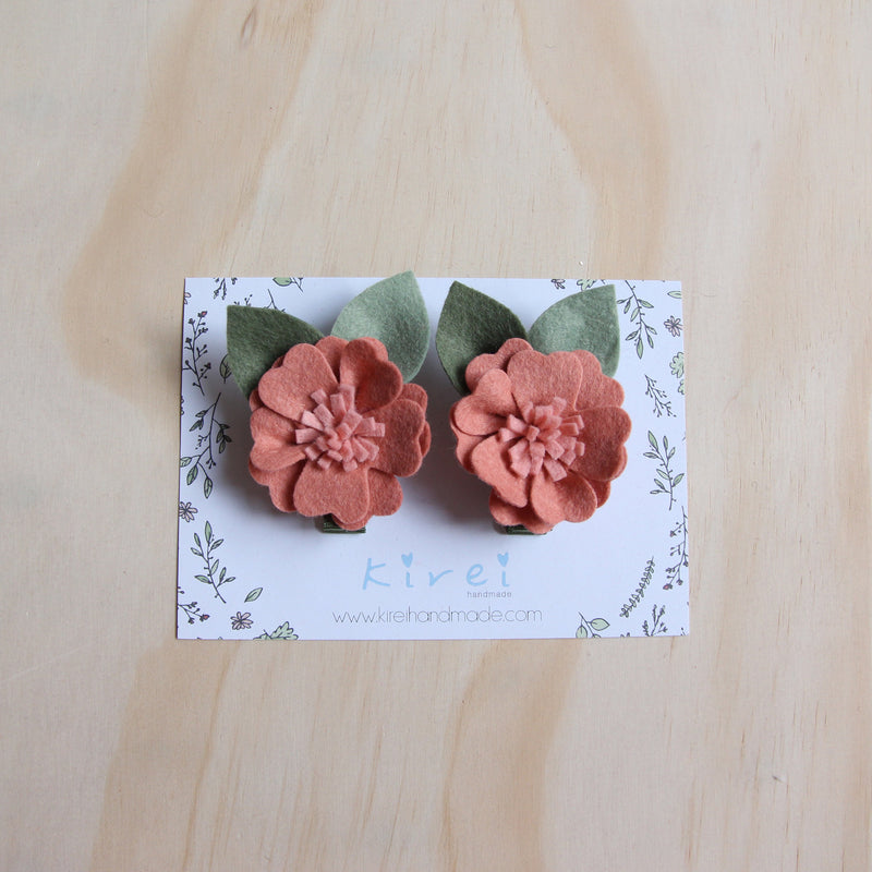 Kirei Bloom set of 2 piggies clips - dusty pink