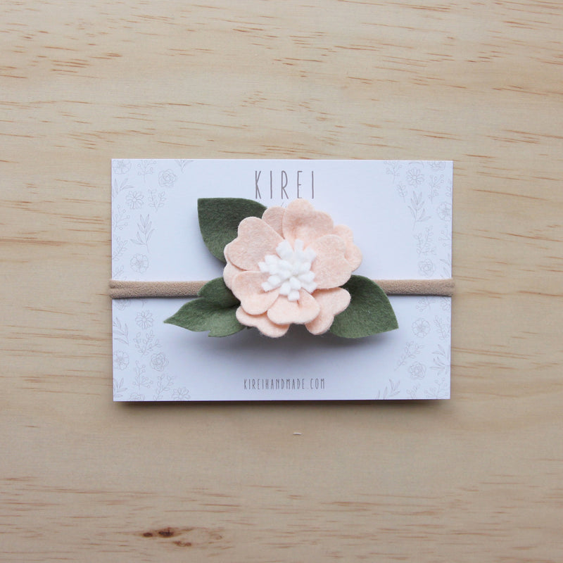 Kirei Bloom headband/ clip - neutral pink