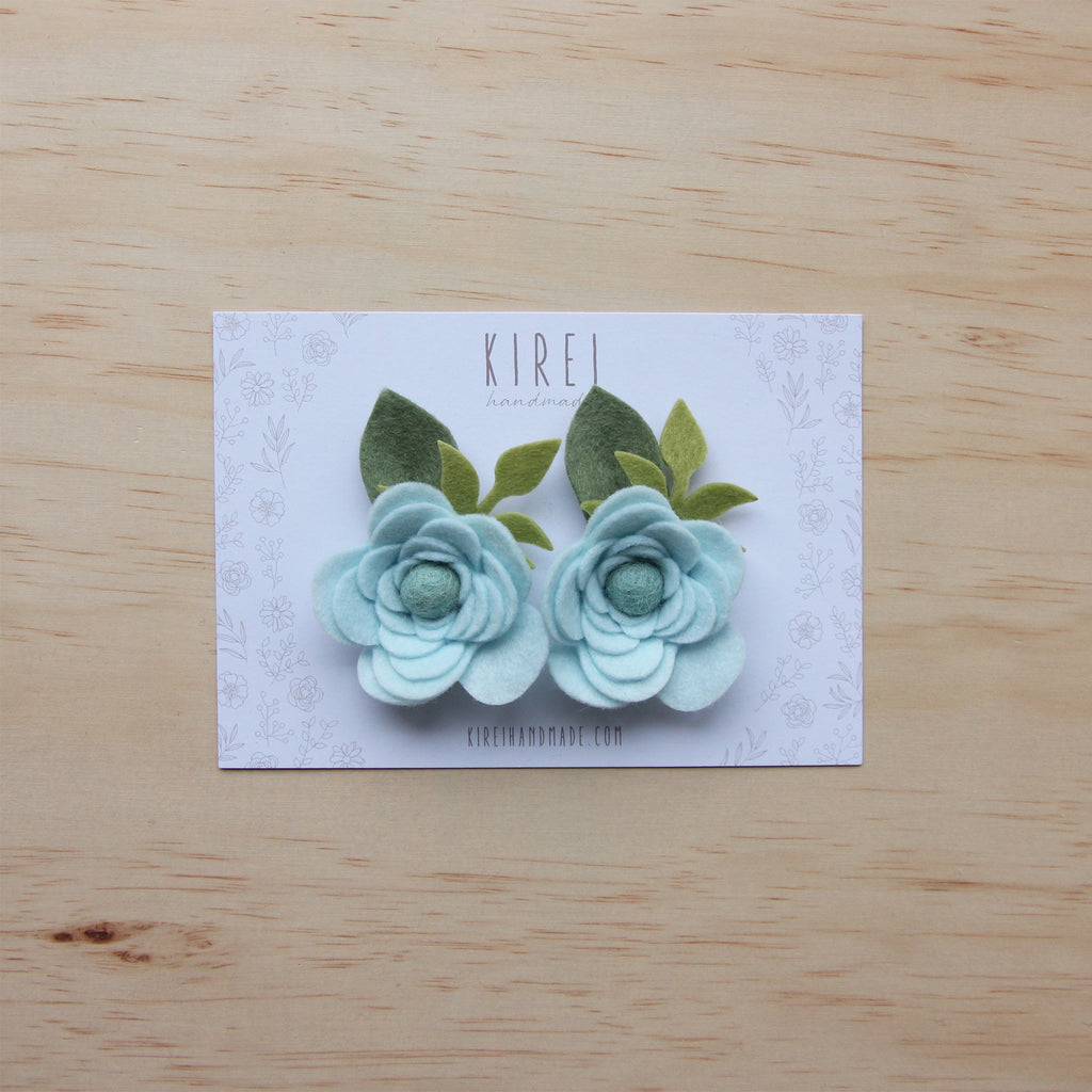Ranunculus flower set of 2 piggies clips - baby blue
