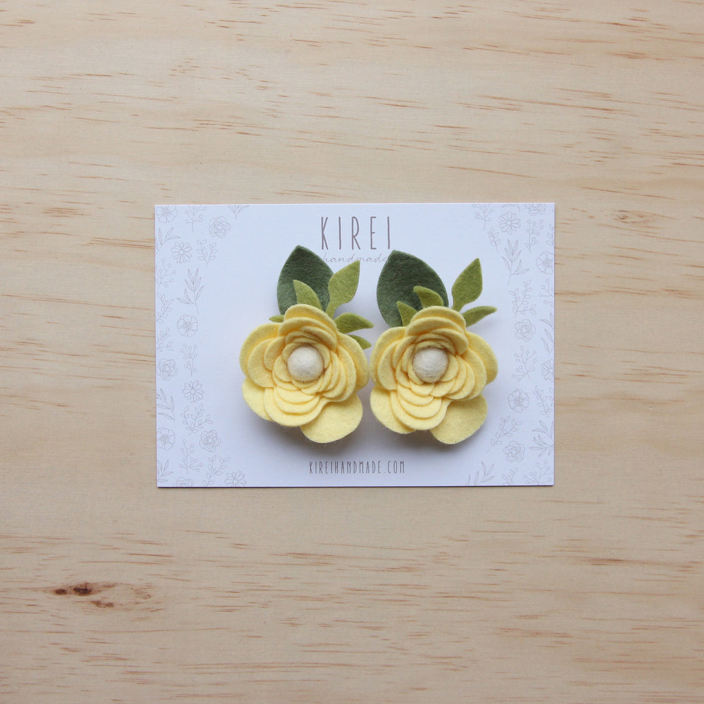 Ranunculus flower set of 2 piggies clips - buttercup