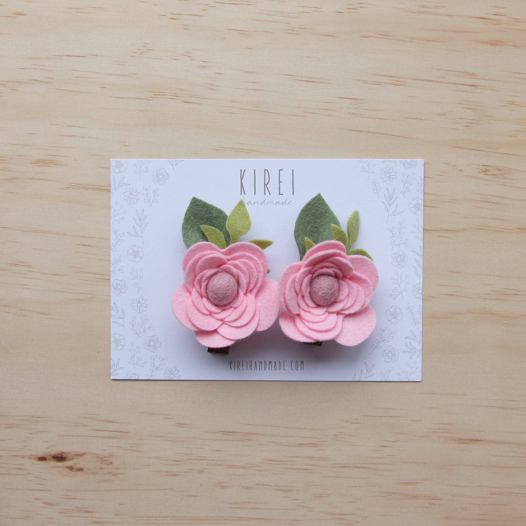 Ranunculus flower set of 2 piggies clips - pink