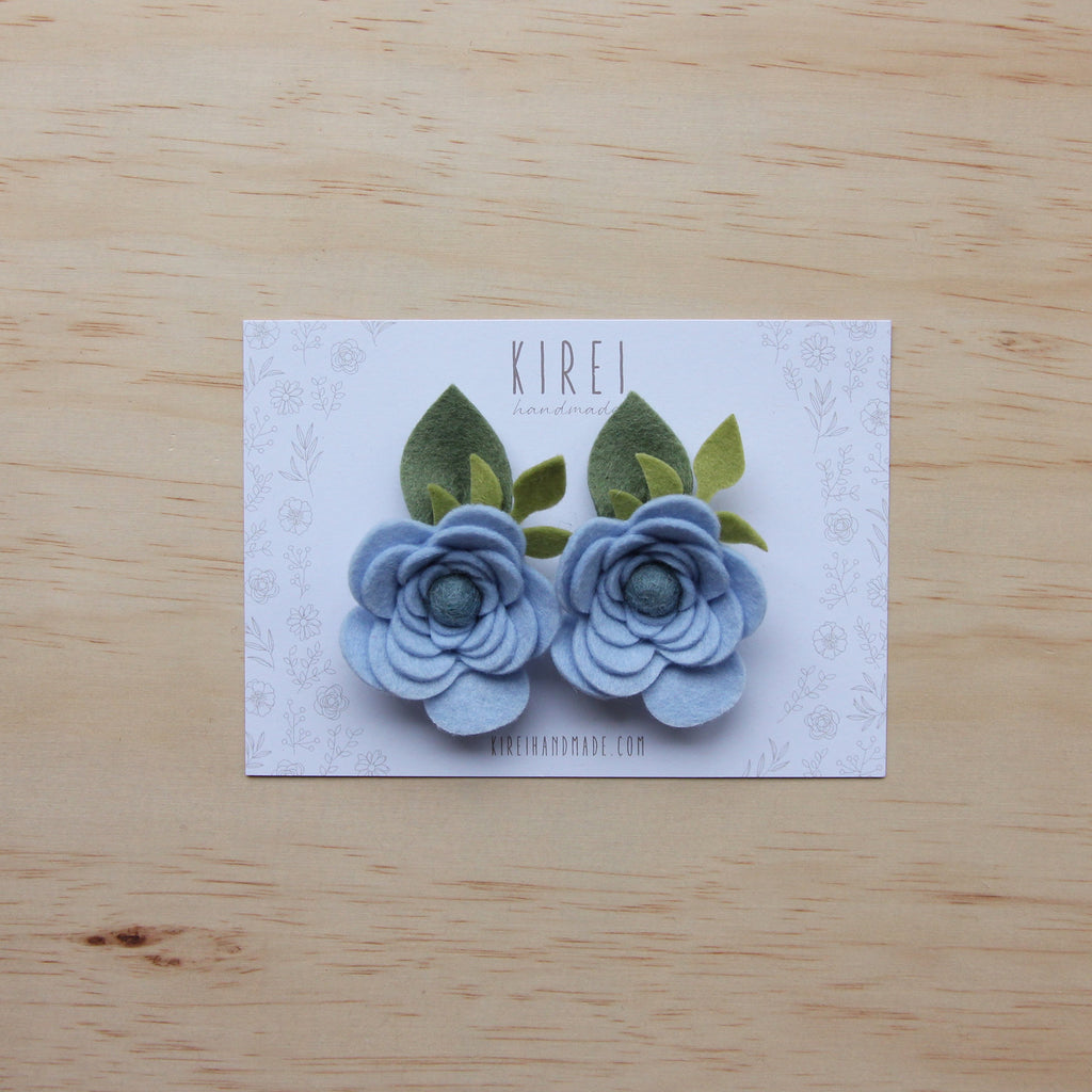 Ranunculus flower set of 2 piggies clips - sky blue
