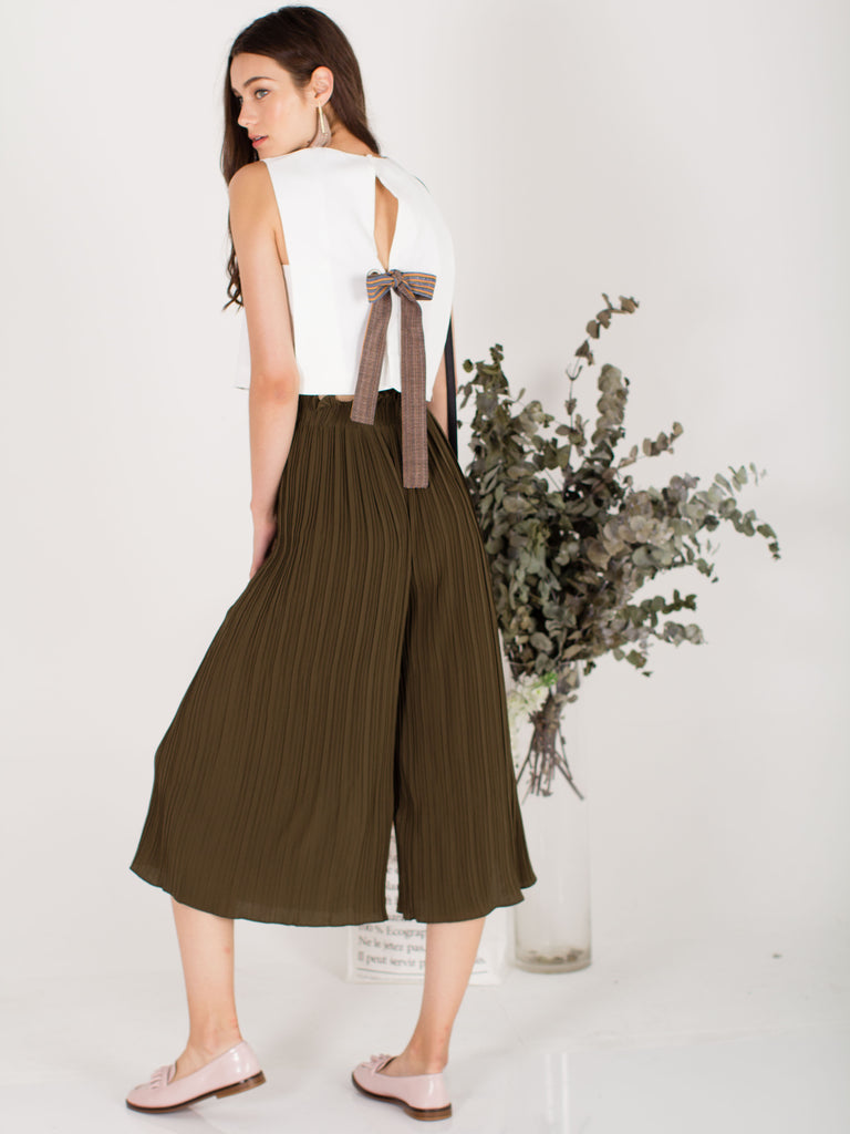 Bell Bottom Pleated Pants