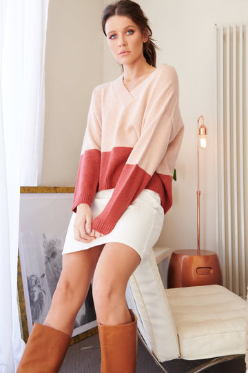 Bande Studio - Julianna V Neck - Peach