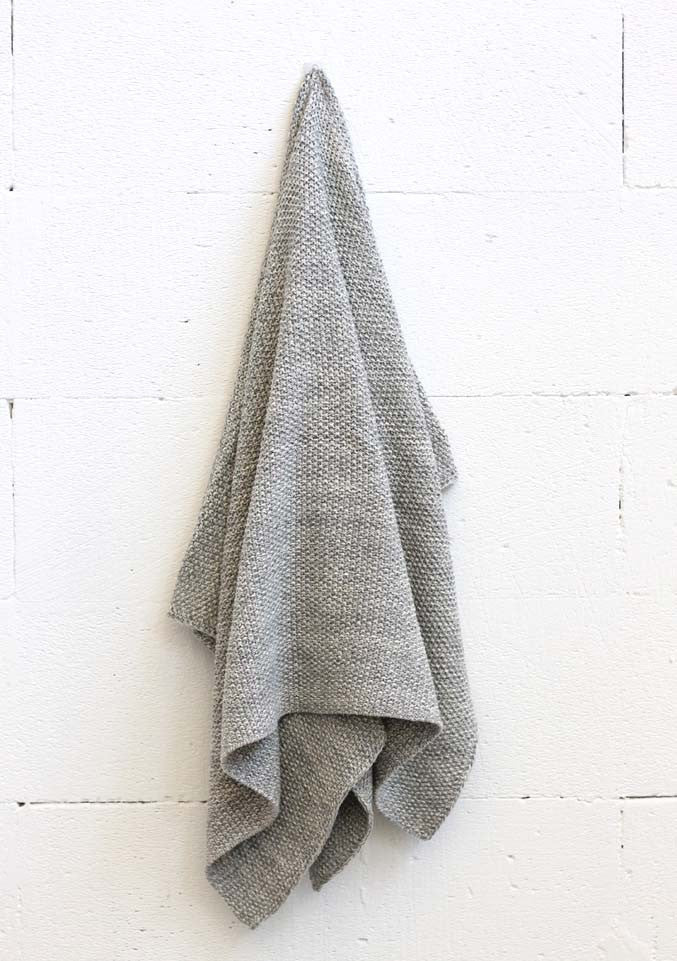 Di Lusso - Curly Grey Baby Throw