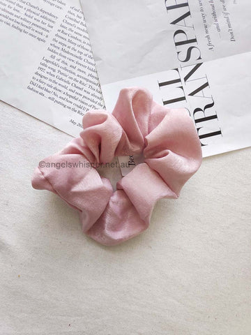 Angels Whisper - Raine satin scrunchie - Pink