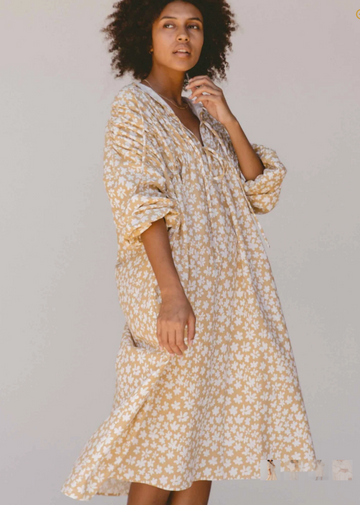 The Lullaby Club - Penny Smock Midi Dress // Caramel Daisies