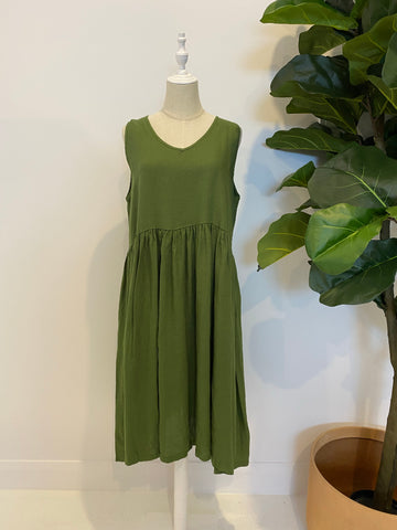Montaigne Paris - Linen Sleeveless Dress with V-Neck - Forest Green