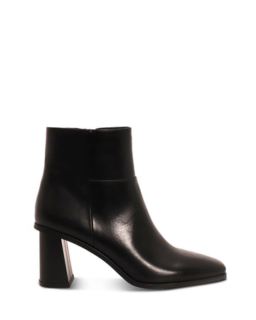 A:List Footwear - Molly Boots - Black