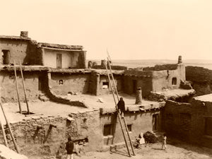 This image has an empty alt attribute; its file name is Zuni_Pueblo_NM-Edward_S._Curtis_1903-300_large.jpg