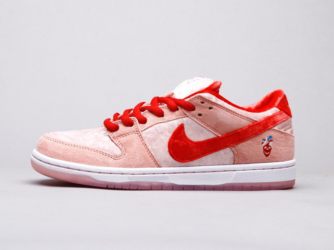 Nike SB Dunk Low Strange Love -OG PREMIUM-