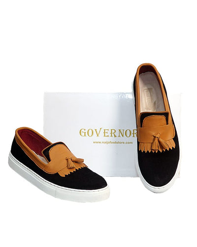 BLACK GOVERNORS SUEDE PLIMSOLLS WITH BROWN TASSEL DETAIL