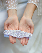 Crystal bridal beaded hair comb with a vintage touch