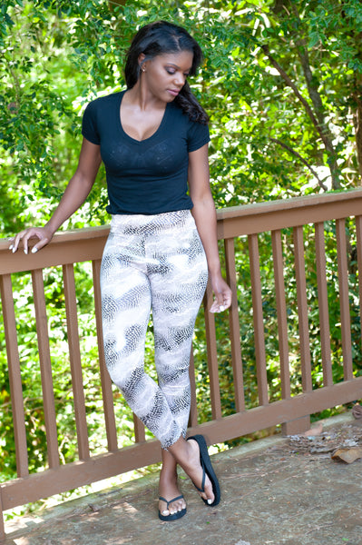 ATLWOOD Snakeskin Print Leggings (Gray)