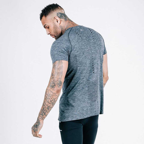 machine fitness Exo-Knit t shirt - in charcoal-black
