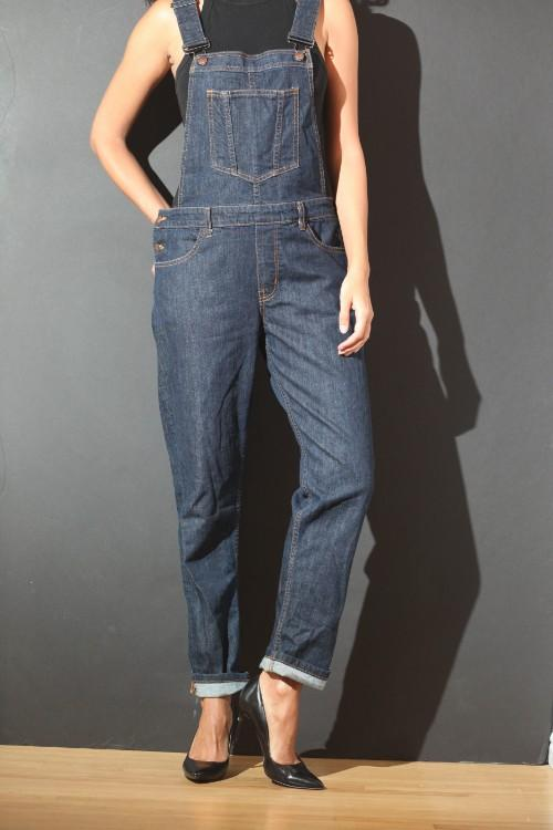 https://cdn.shopify.com/s/files/1/1925/2785/files/Overalls.mp4?181