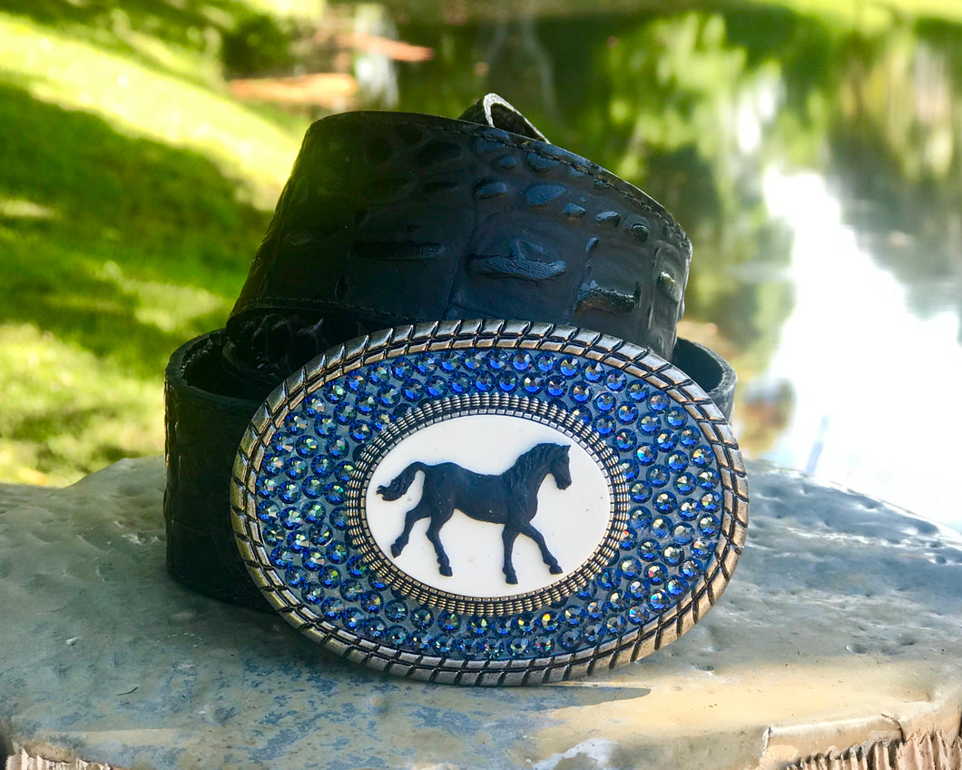 The Lacey Horse Light Sapphire / Small