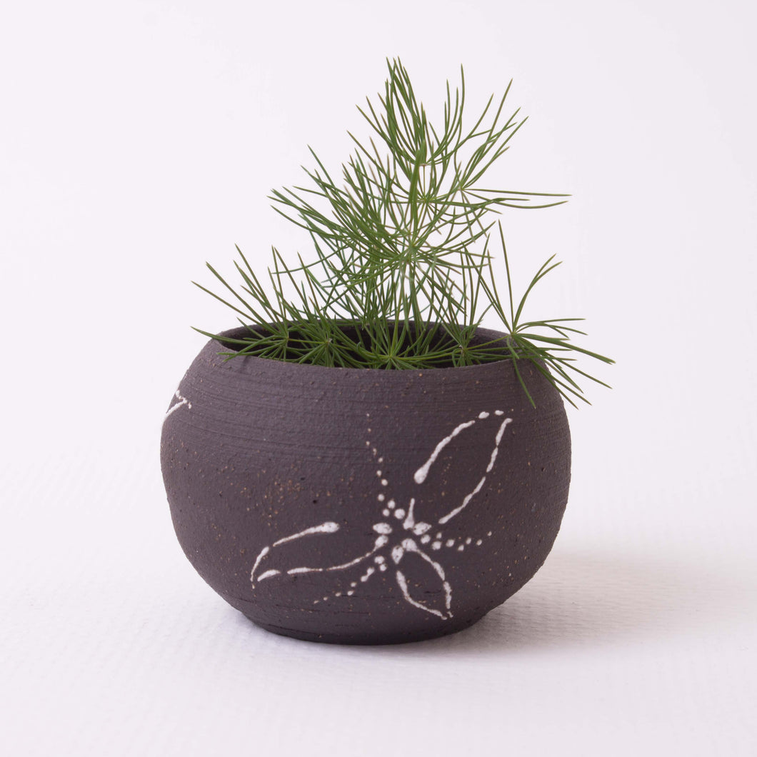 Small Planter : chocolate clay w/ flowers