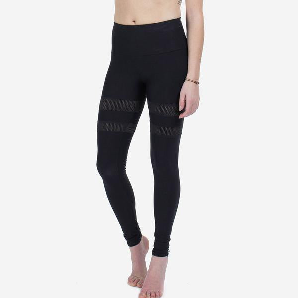Sample Rack - Pinhole Apex Leggings - M