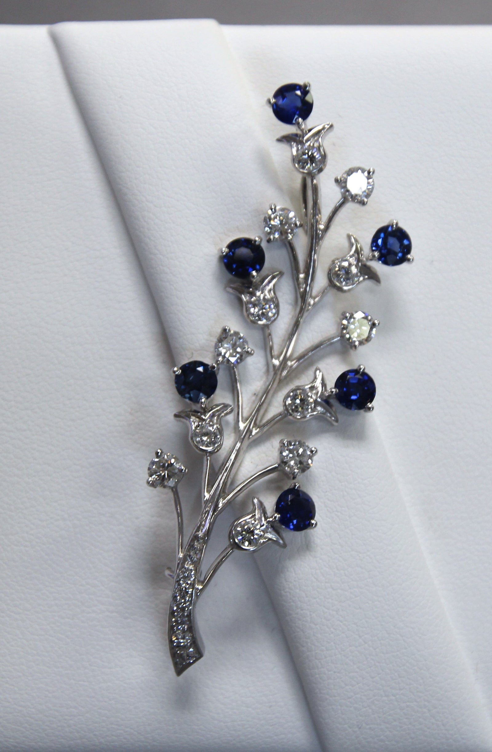 christie diamond christies and s earrings sapphire eco online jewels tiffany co