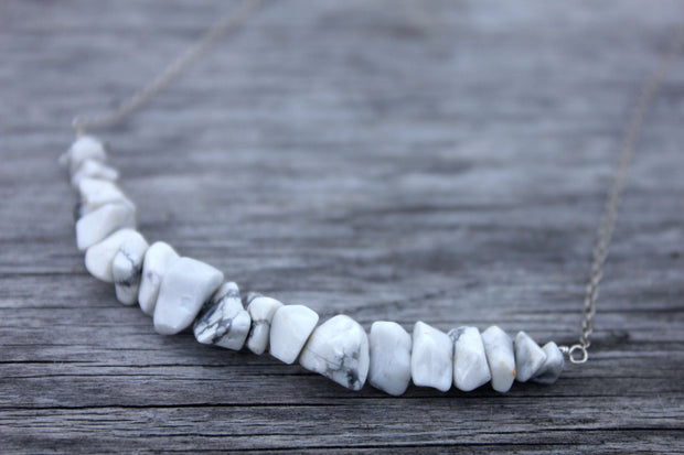 Howlite Bead Bar Necklace