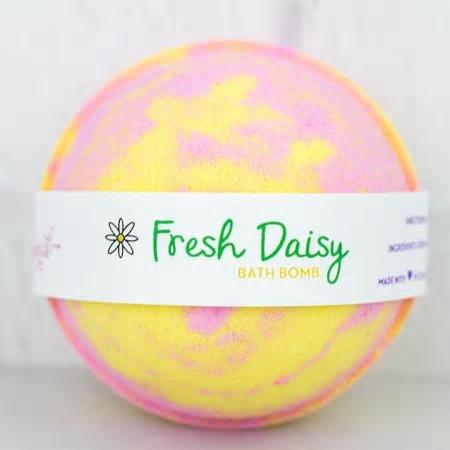 Fresh Daisy Bath Bomb - 5 ounces