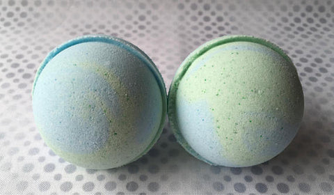 **1New - Lost Island Bath Bomb - 5.5 ounces