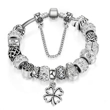 Clover Themed Charm Bracelet - Tagerts