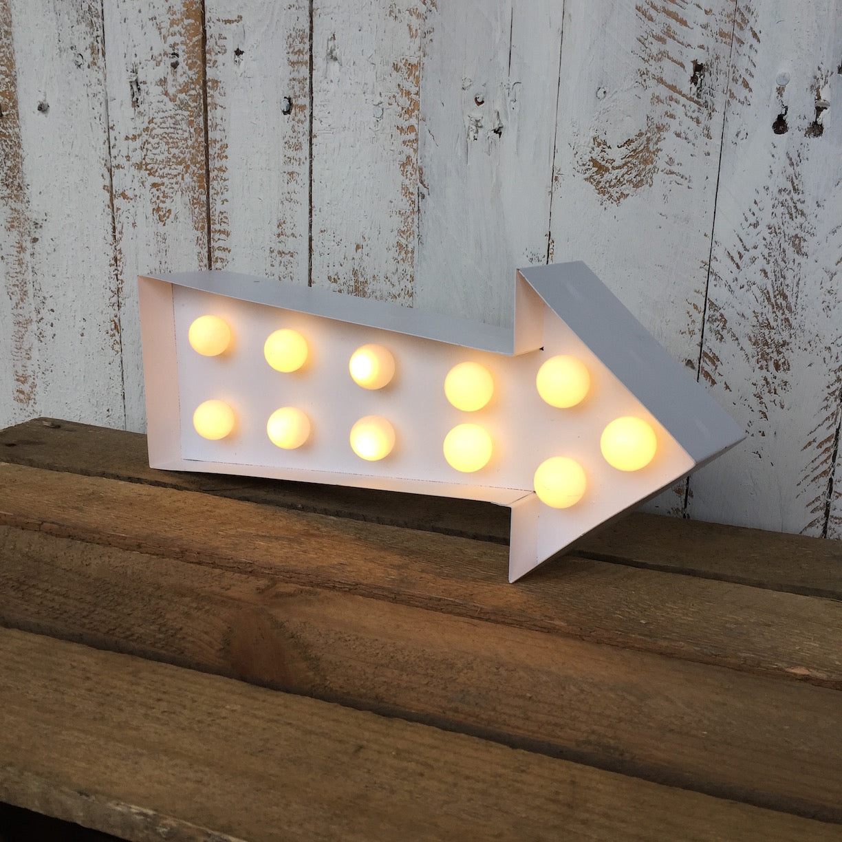 LED Arrow - Dales Country Interiors