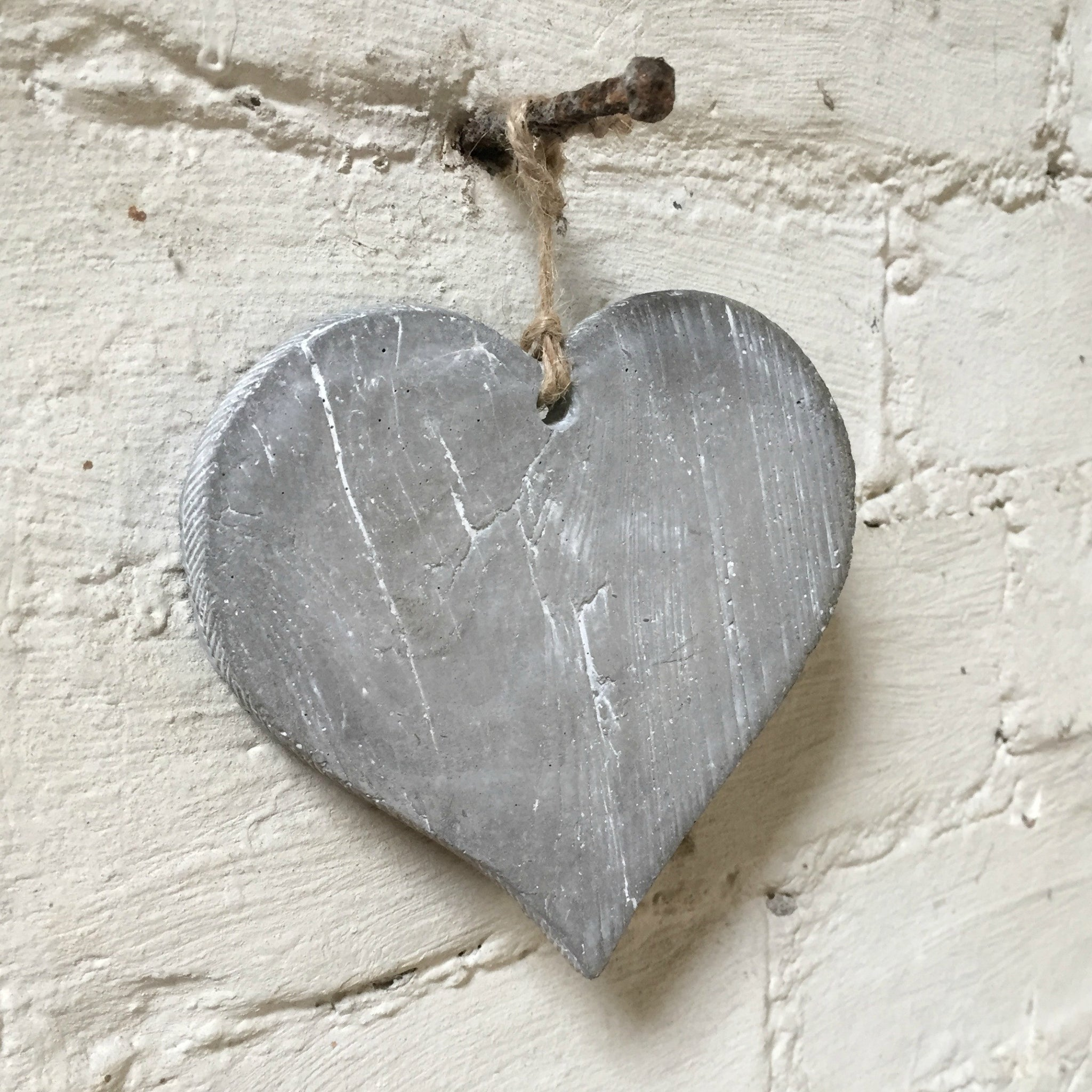 Concrete Hanging Heart - Dales Country Interiors