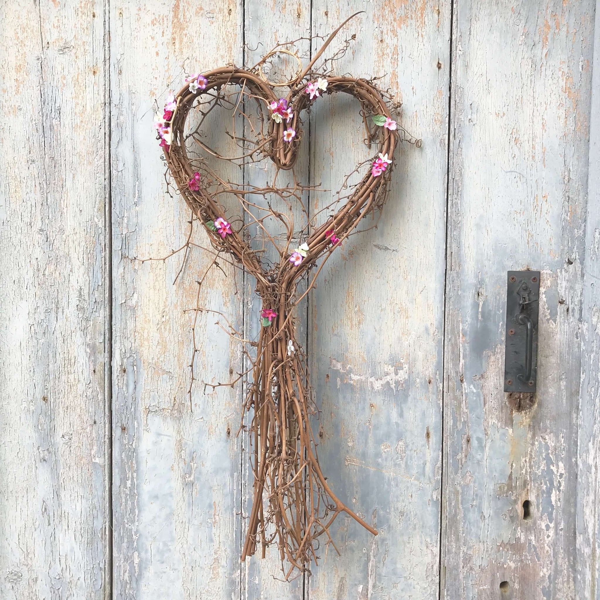 Ditsy Floral Sweetheart Wreath - Dales Country Interiors