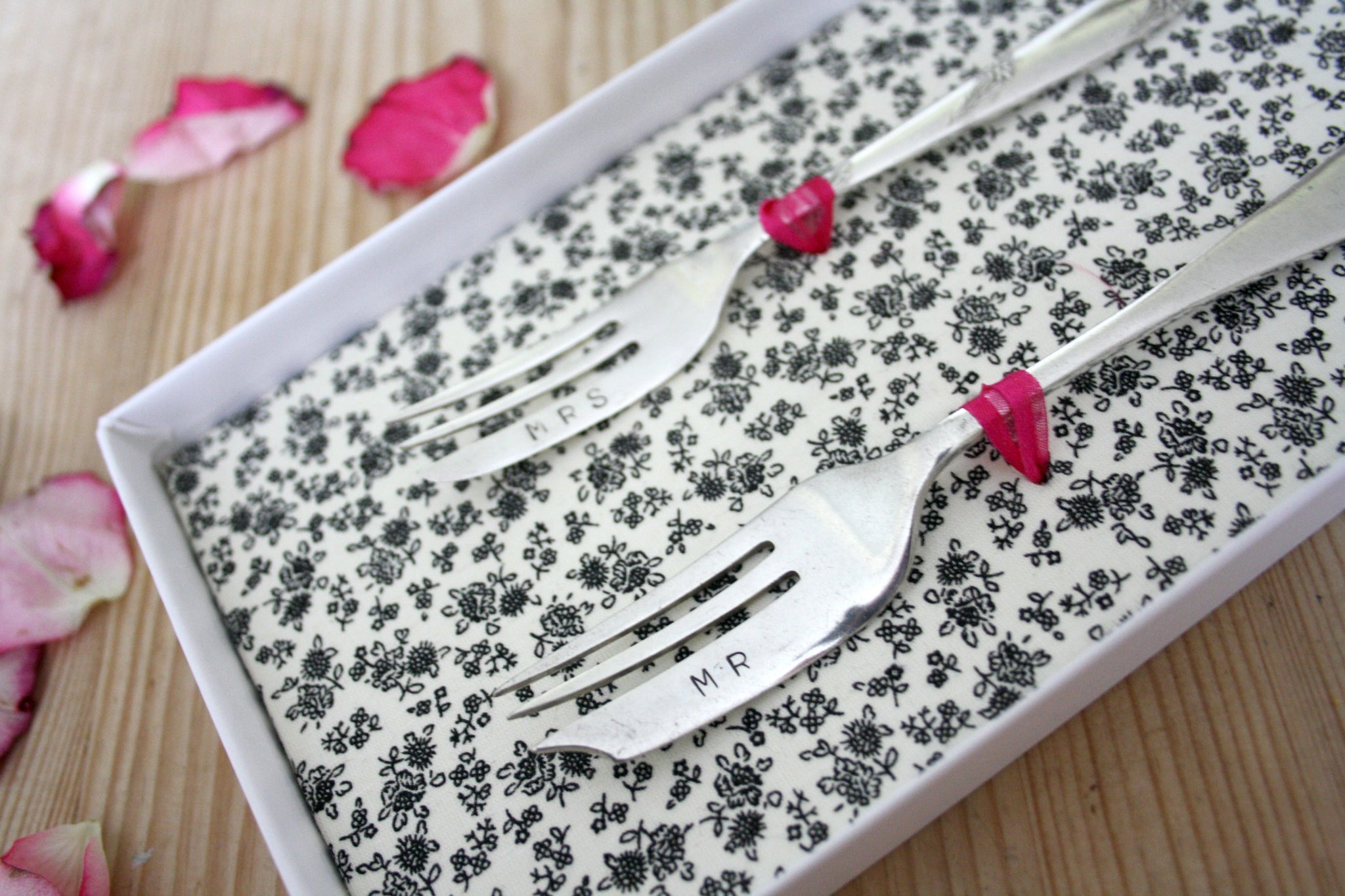 'Mr & Mrs' cake fork set - Dales Country Interiors