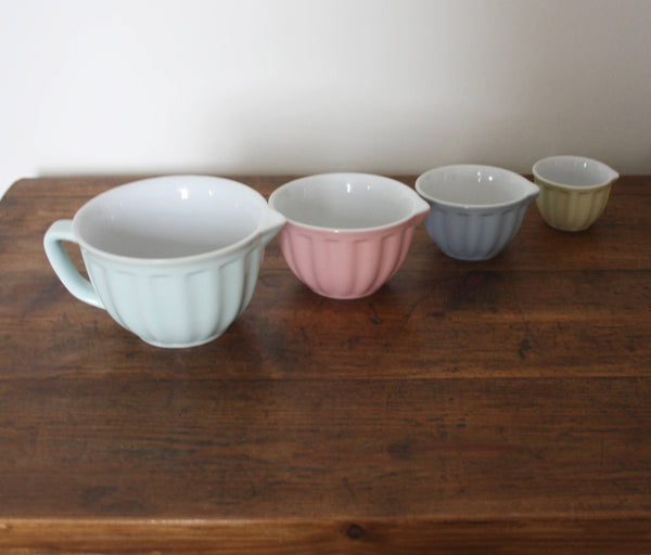 Pastel Measuring Cups - Dales Country Interiors