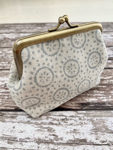 Clip purse by Olive & Daisy