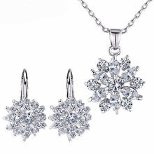 Enjoy your extraordinary beauty with this jewelry set. YOU NEED IT...!