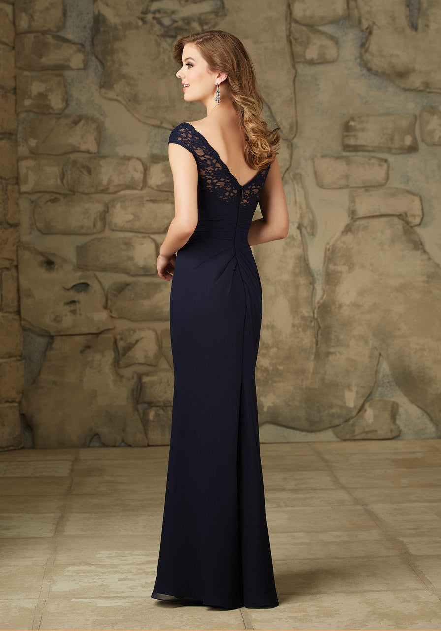 094 Lace and Chiffon Bridesmaid Dress with Side Ruching and a Back Zipper