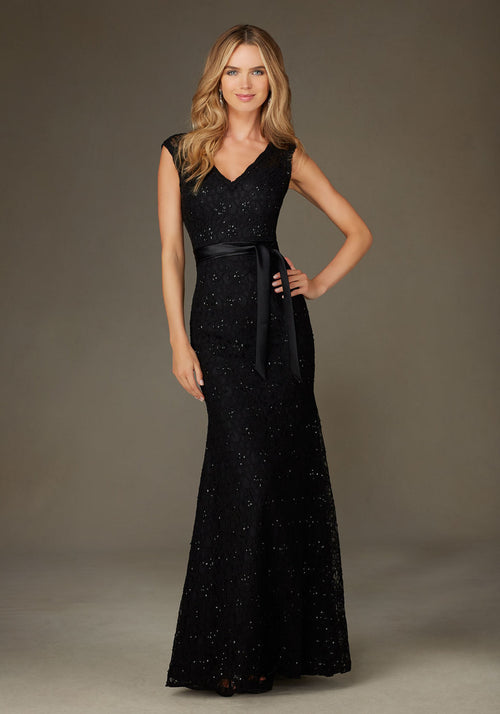 015 Beaded Lace Trumpet Bridesmaids Dress with V Neck and Keyhole Back
